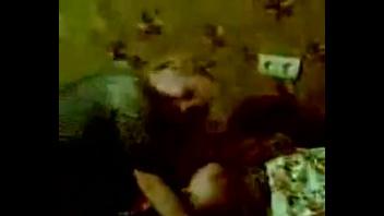 Русская   пьяная подруга  не очень стесняется видя что за ней наблюдают
