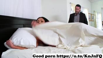 Жена сучка изменяет мужу и трахается с любовником